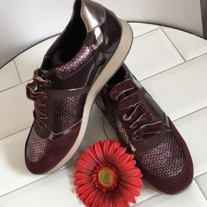 GEOX Size 10 Burgundy Sneakers Italian Patent NWOT